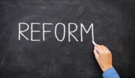 Чотири реформи осені. Яких змін чекати українцям?