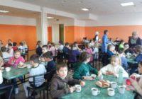 Фото дня: смачні булочки та чай для роздільнянських школярів