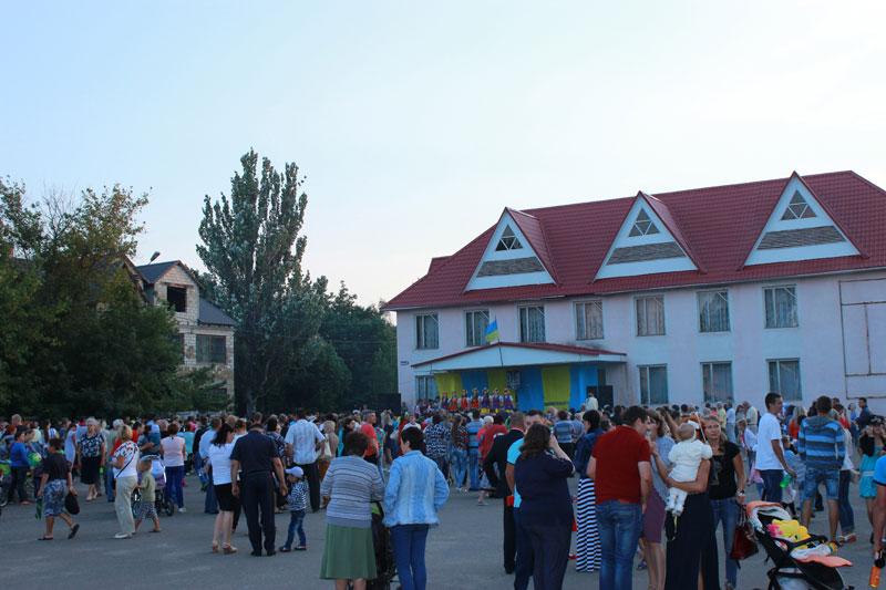 Роздільна, площа біля районного Палацу культури
