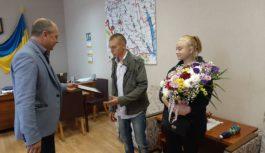 Олександру Голоті вручили сертифікат на  двухкімнатну квартиру в Роздільній