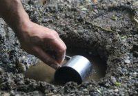 Право на видобування підземних вод та корисних копалин місцевого значення